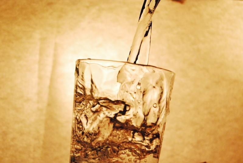 米乐下载地址水用冷水还是温水?米乐下载地址多少度的水泡最好?